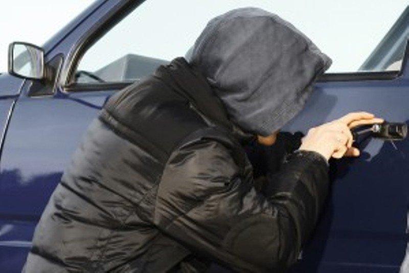 В Крыму местный житель угнал свой бывший автомобиль у нового владельца