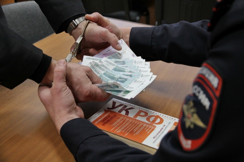 В Севастополе водитель пожаловался в ФСБ на сотрудника ГИБДД