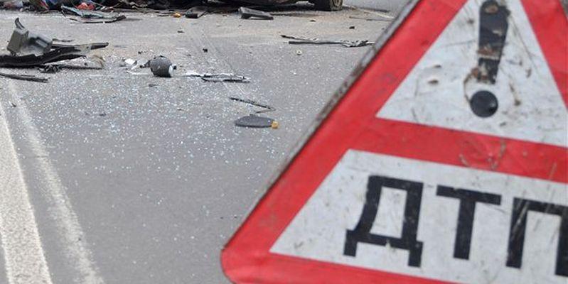 ДТП под Севастополем: один из автомобилей перевернулся