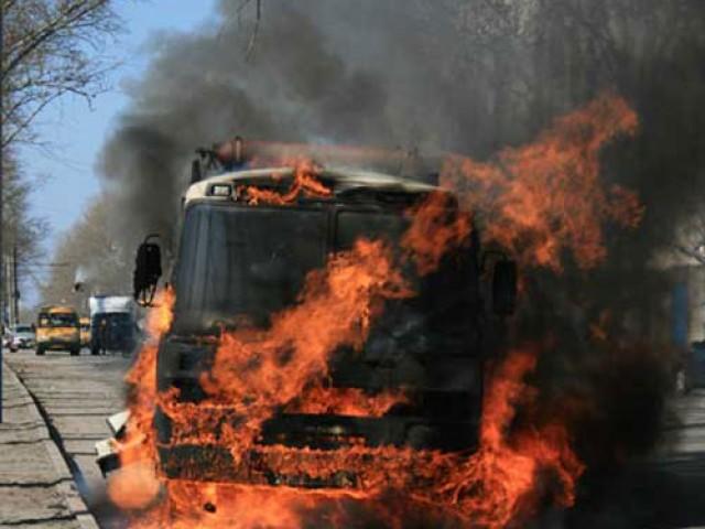 В Крыму следователи проверяют причину возгорания автобуса с детьми