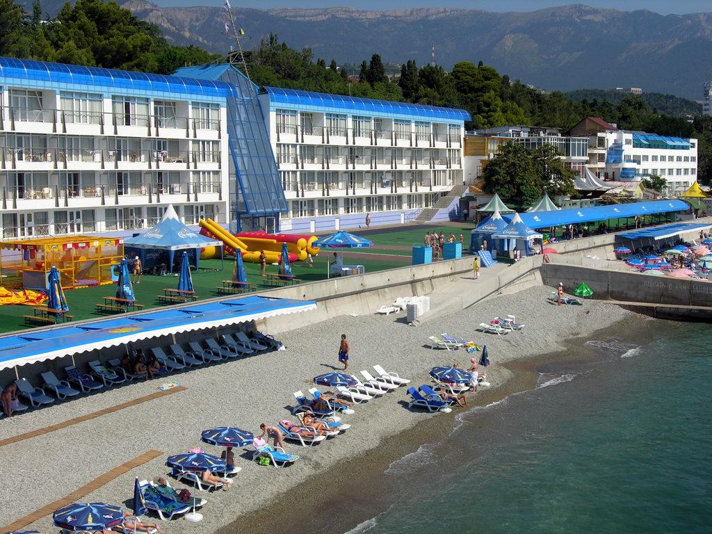 Крымские отели вынуждены снижать цены из-за недостатка отдыхающих