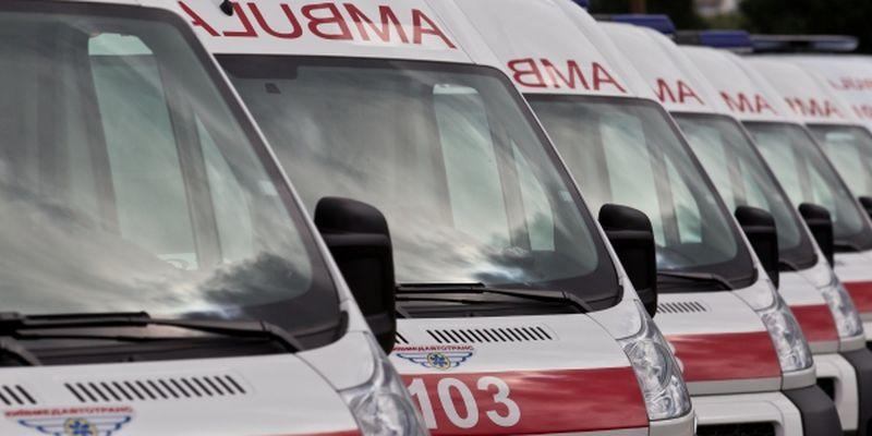 В Ялте девушка выпала с пятого этажа