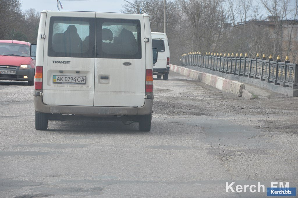В Керчи частично разрушился Аршинцевский мост