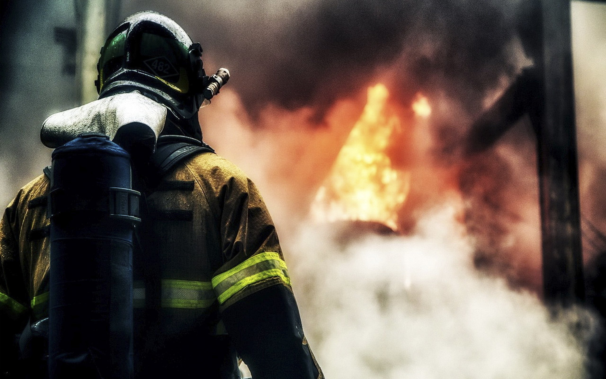 В Севастополе сгорела иномарка