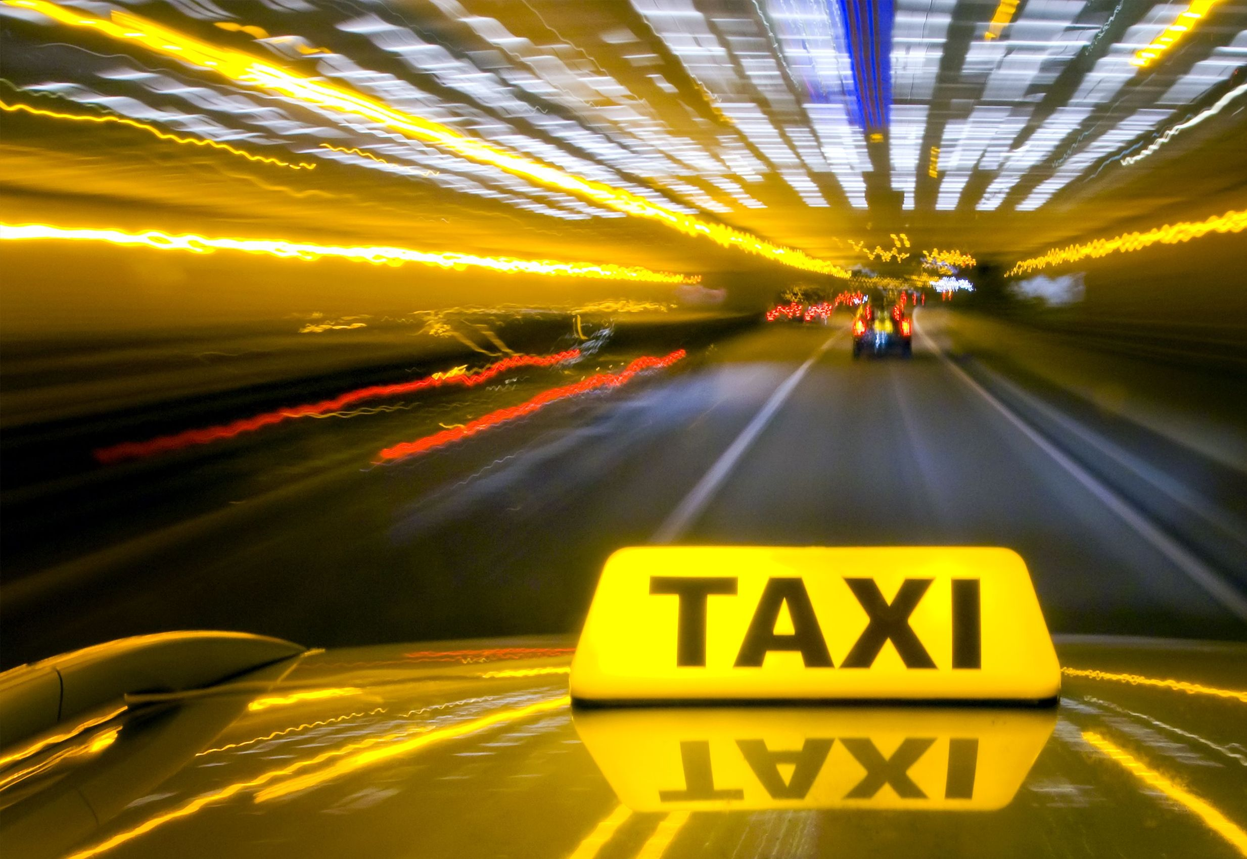 В Ялте планируют разобраться с нелегальным такси