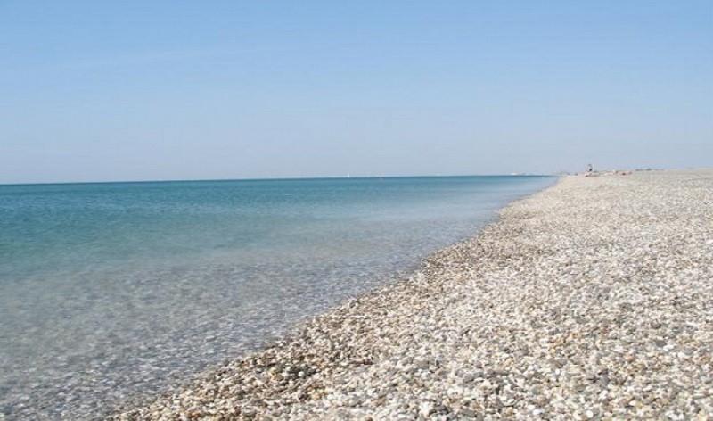 В крымском поселке открылся пляж с видеонаблюдением и охраной