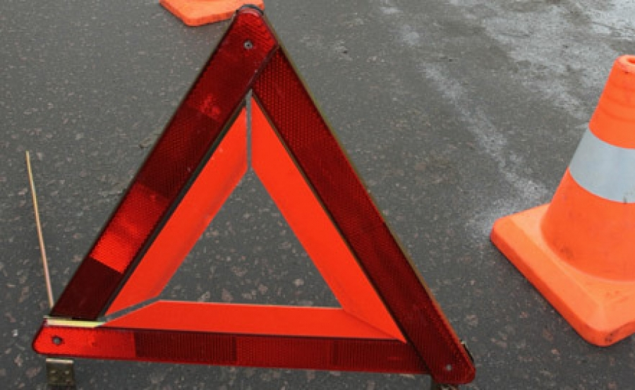 Серьезная авария в Симферополе: маршрутка столкнулась с автомобилем