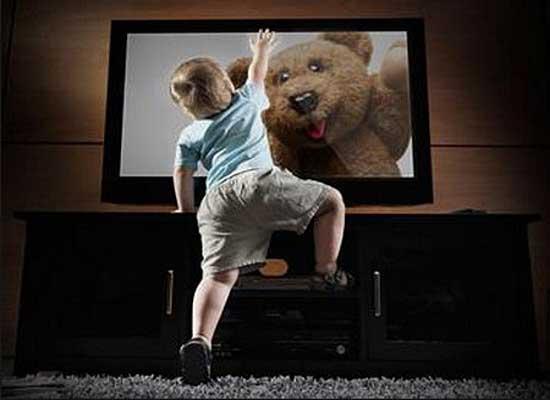 В Ялте на ребенка упал телевизор