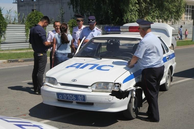 В Керчи полицейские попали в аварию