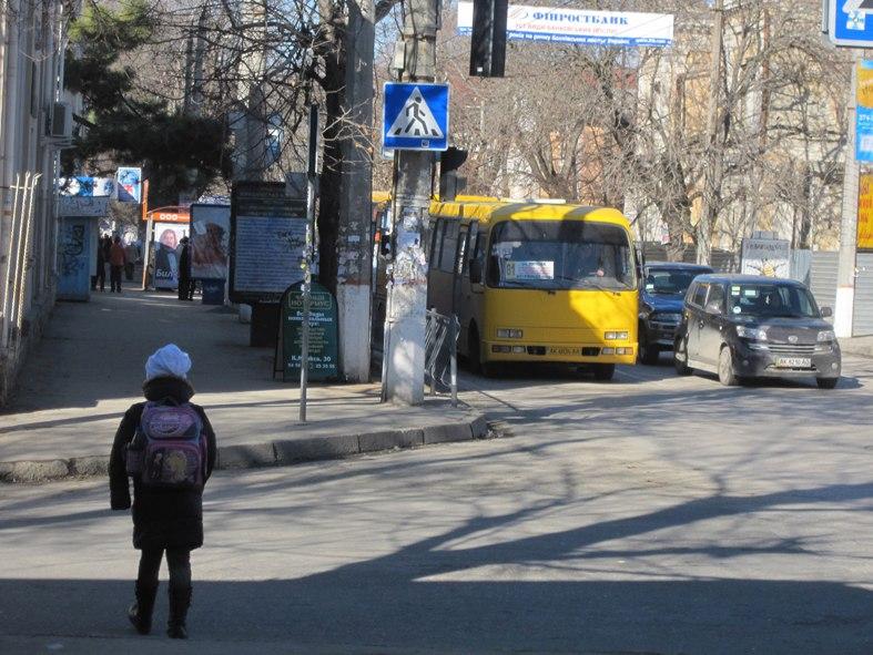 Симферопольские полицейские проверяют городские маршрутки