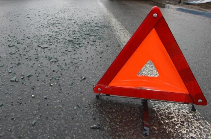 На крымской трассе вновь столкнулись автомобили