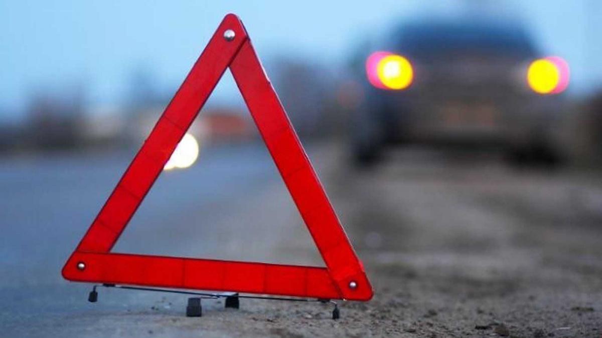 Серьезная авария на крымской трассе: столкнулись две иномарки