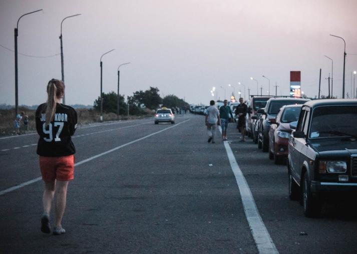 На границе Крыма с Украиной возникли многокилометровые пробки