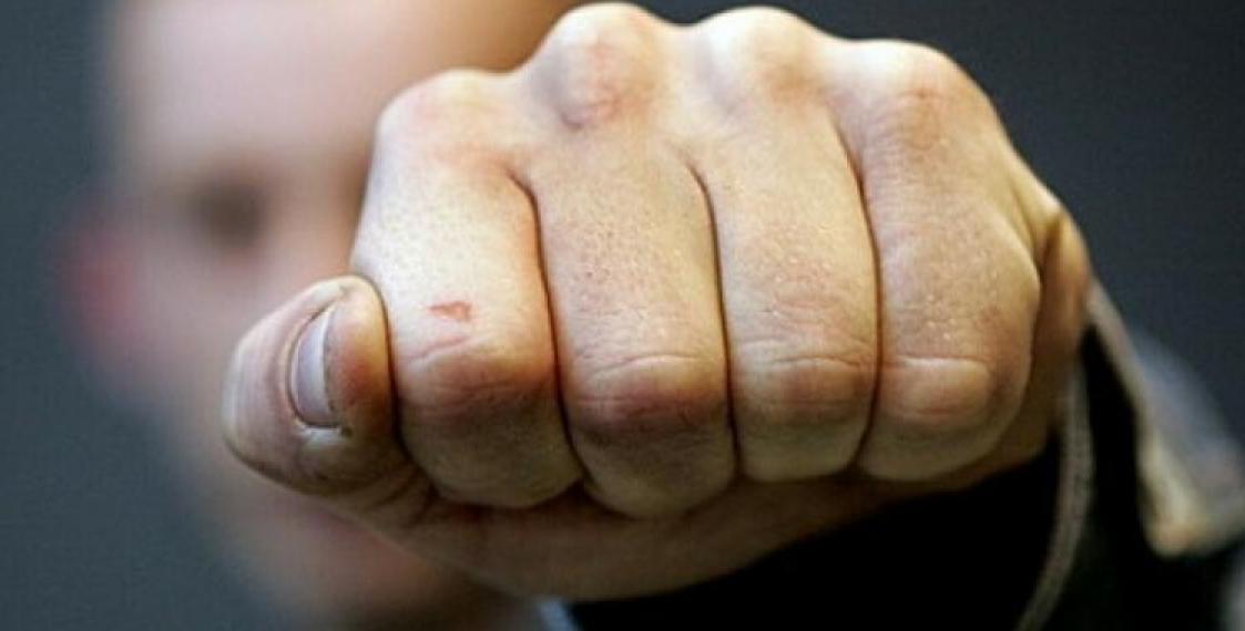 В Крыму сотрудника «Крымэнерго» избил недовольный посетитель
