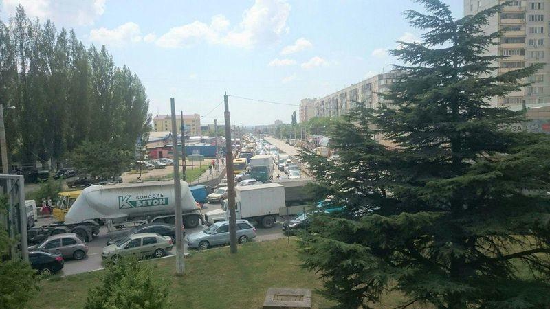 Серьезное ДТП в Симферополе спровоцировало многокилометровую пробку