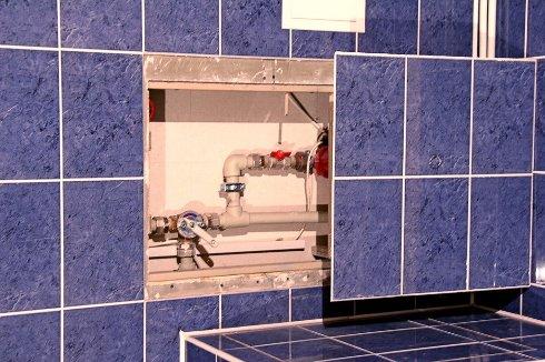 Скрытый люк в ванную комнату