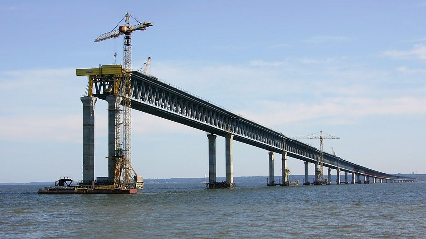 Керченский мост находится под надежной охраной