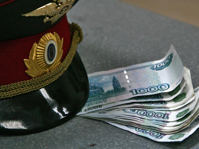 Крымского полицейского подозревают во взяточничестве