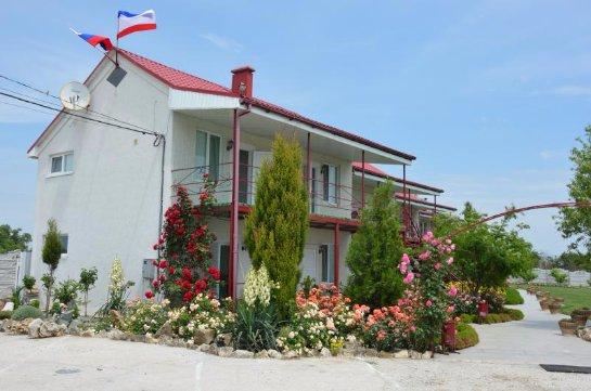Отдых в Крыму: гостевой дом у косы Беляус