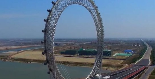 Без спиц и с Wi-Fi: необычное колесо обозрения открыли в Китае