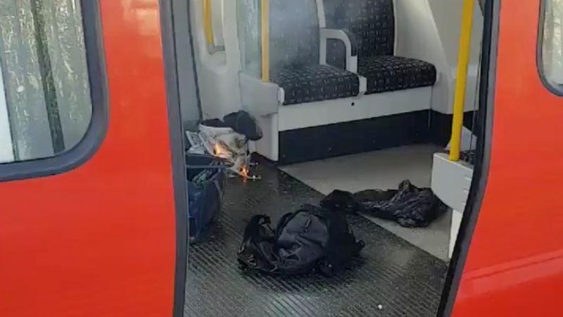 Полиция расследует пожар и взрыв в лондонском метро как теракт