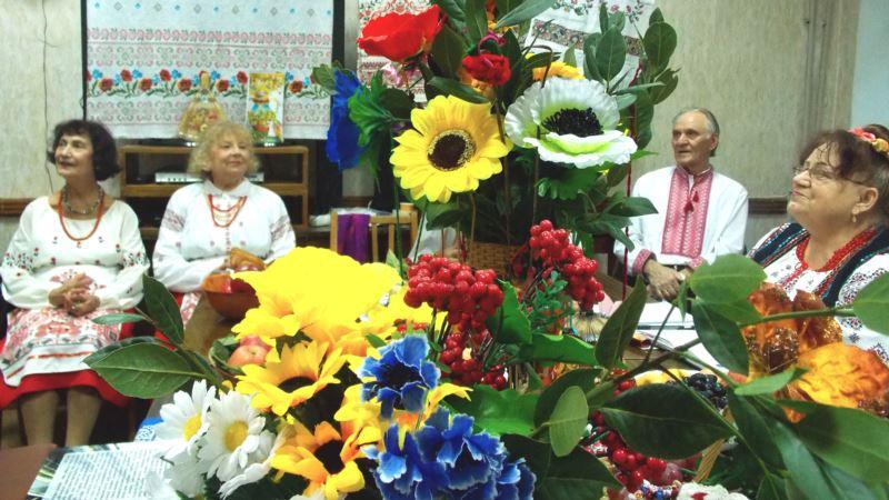 С рушниками в вышиванках и за праздничным столом в Севастополе встретили День урожая (+фото)