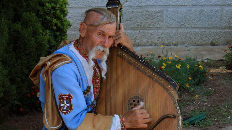 Казак из Крыма Остап Киндрачук встретил свой 80-й юбилей в Киеве