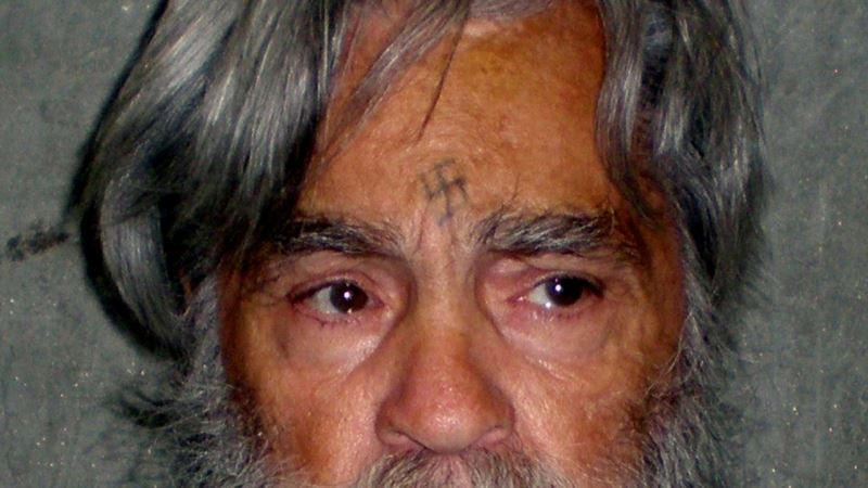 США: серийный убийца Чарльз Мэнсон умер в возрасте 83 лет