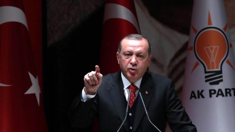 Турция отозвала военных с учений НАТО из-за оскорбления президента