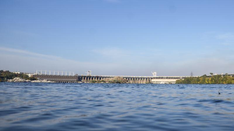 Полиция задержала женщину по подозрению в ложных сообщениях о минировании Киевской ГЭС