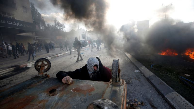 Более 30 палестинцев ранены в результате столкновений с армией Израиля
