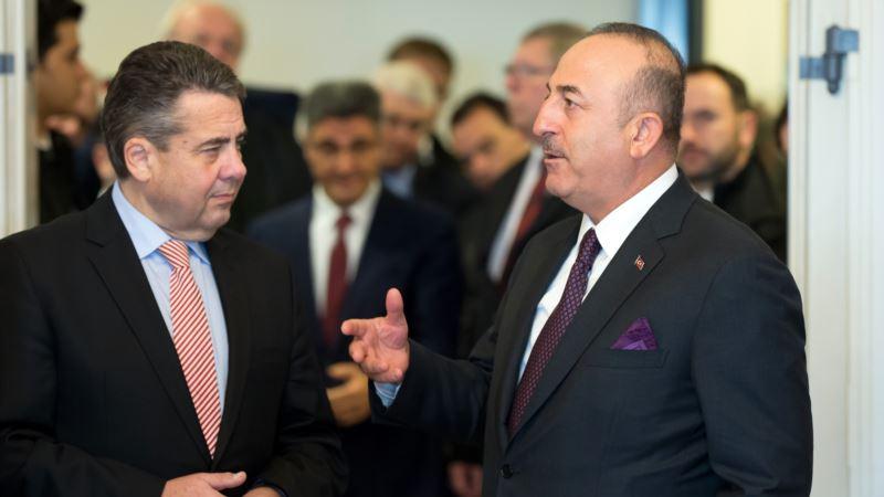 Германия и Турция пытаются улучшить отношения