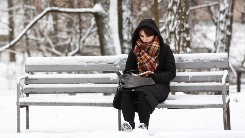 В Киеве над ликвидацией последствий снегопадов работает более 280 единиц техники – власти