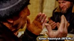 В селе под Алуштой провели молебен, посвященный фигурантам ялтинского «дела Хизб ут-Тахрир»