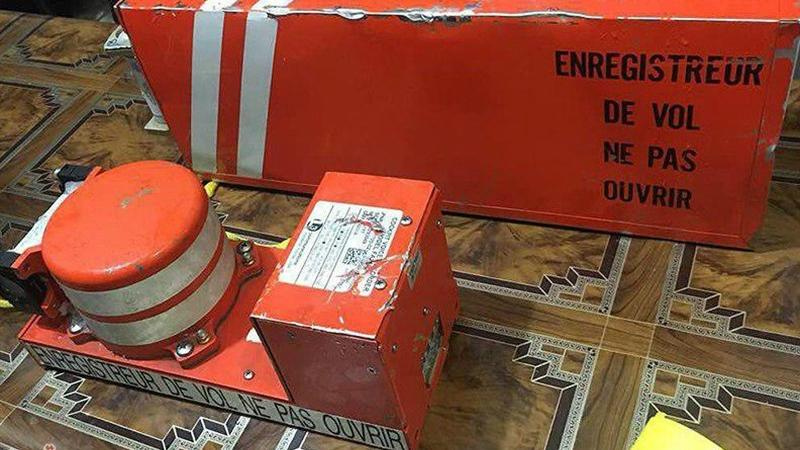 Иран: спасатели обнаружили «черные ящики» на месте падения самолета