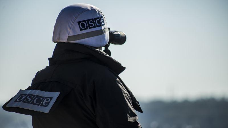 Наблюдатели ОБСЕ на Донбассе заявляют, что боевик угрожал им автоматом
