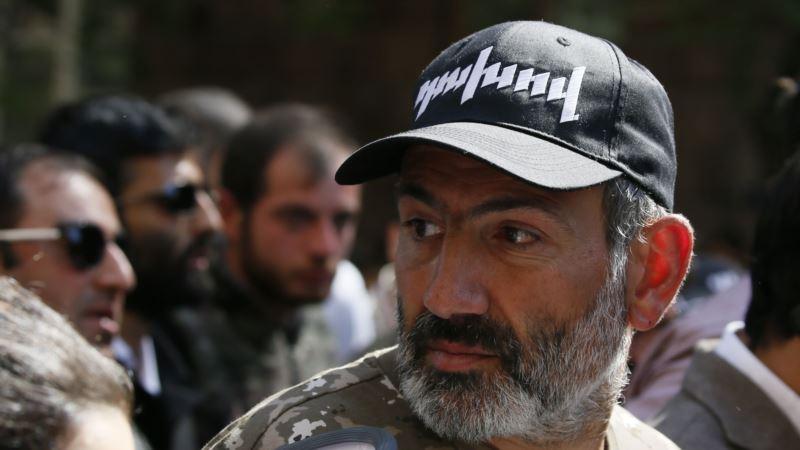 Пашинян: для Армении замены Саргсяна на Карапетяна недостаточно