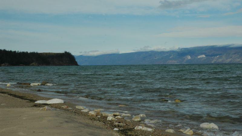 Байкал: водоросль спирогира покрыла 60% побережья озера
