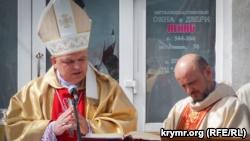 Римо-католическая община Севастополя на пасхальном богослужении помолилась за возвращение костела