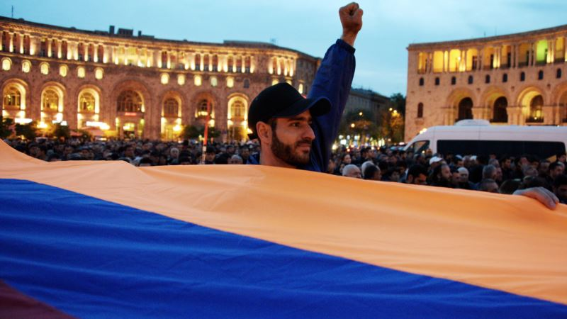 Армения: произошли новые задержания на антиправительственных акциях