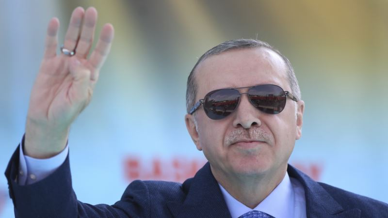 Турция: Эрдоган объявил о досрочных президентских и парламентских выборах