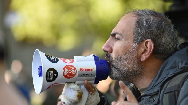 В Армении продолжаются протесты против переназначения Сержа Саргсяна