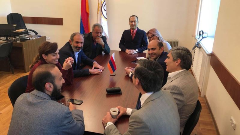 Фракция «Елк» выдвинула Пашиняна кандидатом на пост премьера Армении