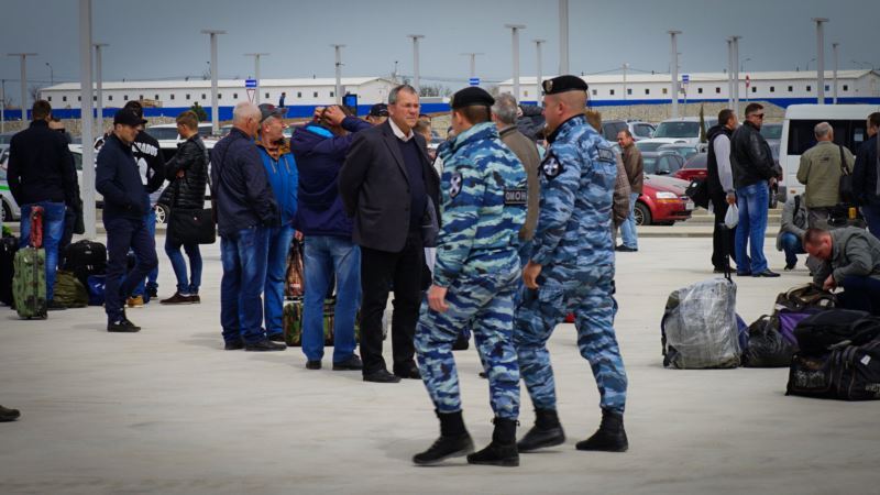 В первый день работы нового терминала аэропорта Симферополя задержали людей без паспорта