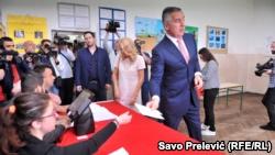 Мило Джуканович голосует в Подгорице, 15 апреля 2018 год