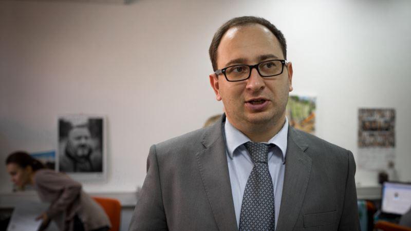 Полозов сообщил о получении удостоверения адвоката в Украине