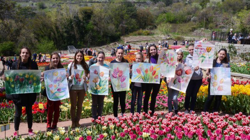 Никитский ботсад объявил свободный вход для художников на открытие «Парада тюльпанов»