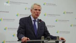 Санкции должны действовать, пока Россия не вернет Крым и не прекратит агрессию на Донбассе – сенатор США