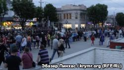Репетиция парада в Симферополе: перекрытые улицы и много военных (+ фото)