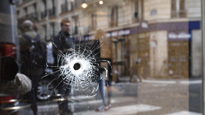 Названо имя напавшего на прохожих в Париже – Хамзат Азимов